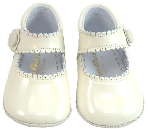 De Osu Do 153 Ivory Patent Crib Shoes