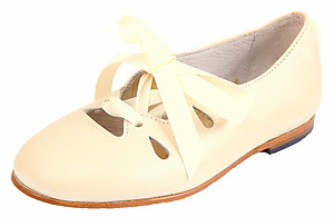 A-1123 - Ivory Ghillie Dress Shoes - Euro 33 Size 3