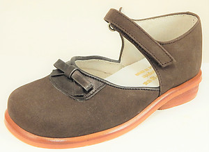 B-7405 - Brown Bow Mary Janes - Euro 25 Size 7