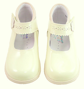 P-6472 - Ivory Patent Dress Shoes - EU 23 US 6.5
